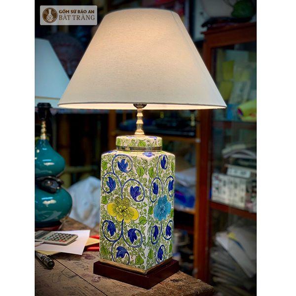Đèn Ngủ Sứ Vuông Hoa Bát Tràng - 4074